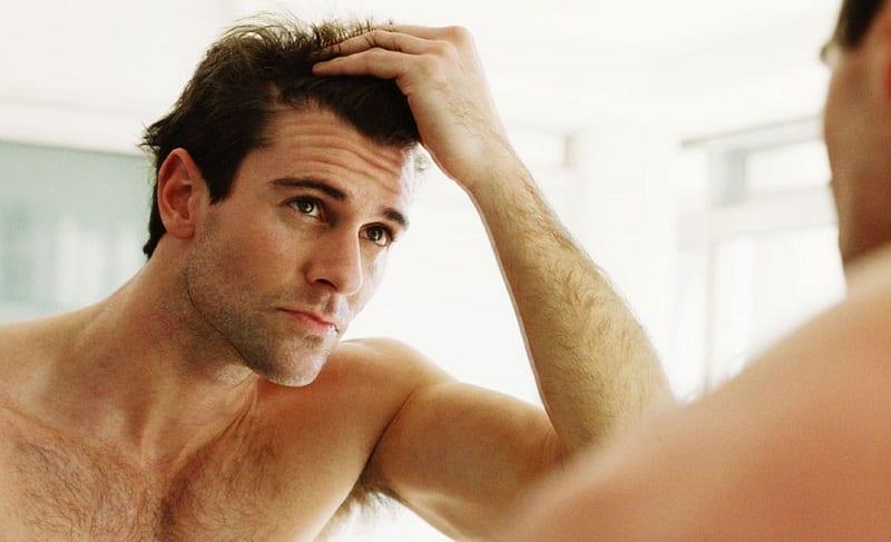5 rimedi naturali contro la caduta dei capelli  26f463d75df6