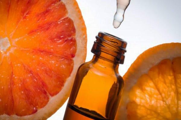 images_Foto_Articoli_rimedi_naturali_oli_essenziali_olio-essenziale-arancio-amaro-indicazioni