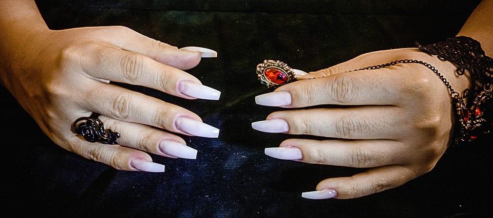 gel-nails-1267562_960_720