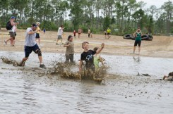 splashing-in-mud-badass-bash