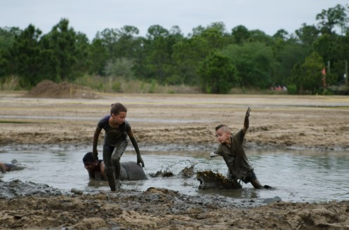 kids-playing-in-the-mud