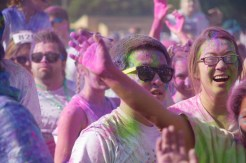 color run crowd photo