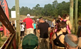 outdoor-spectators-at-mud-run-race