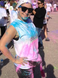 girl-posing-after-color-vibe-5k