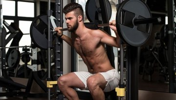 5 Home Squat Machines for Strong Legs and Toned Glutes