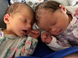 twins sleeping during tandem nursing