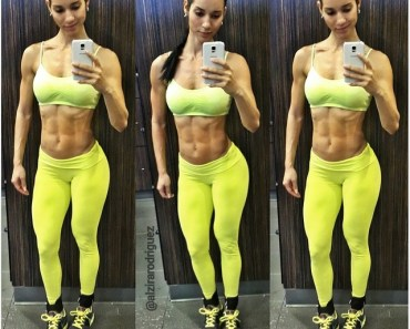 fitness girl mirror selfie