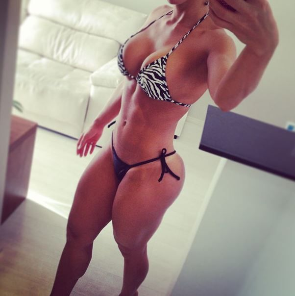 fitness_girls_mirror