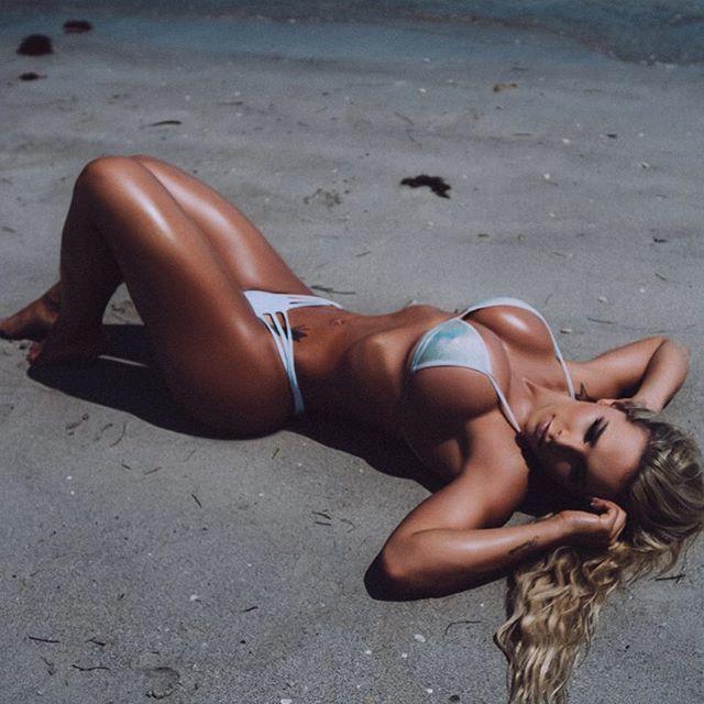 Rafaela Ravena (25)