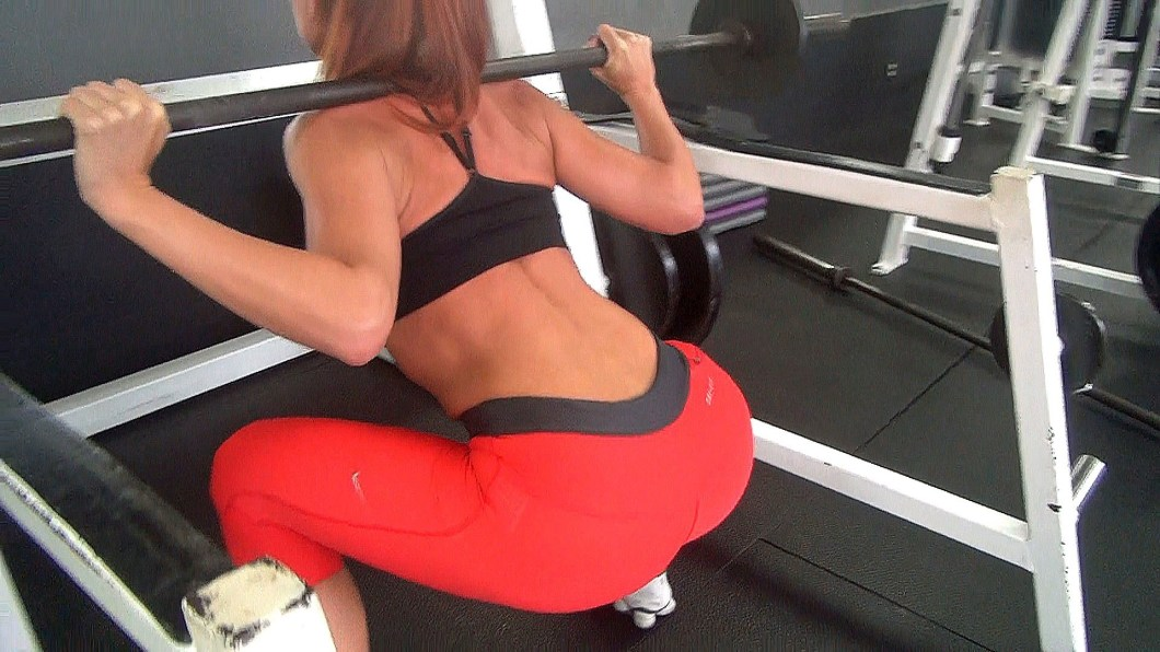 girls who squat 3