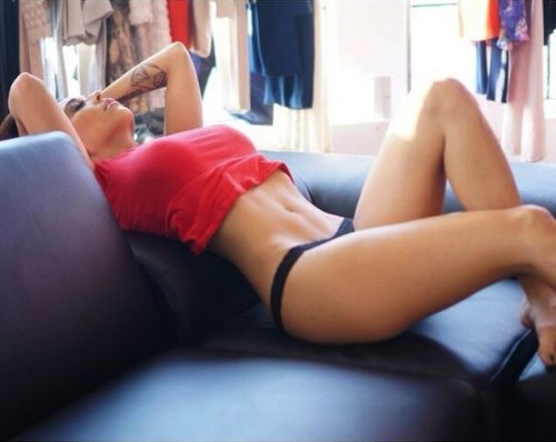 girls with abs (11)