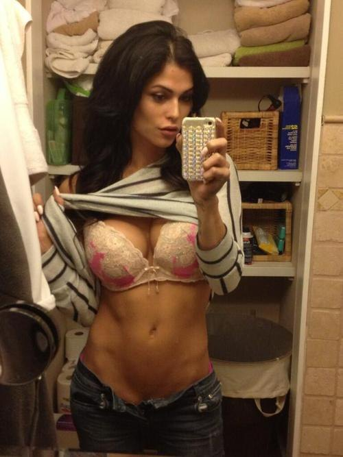 girls with abs (20)