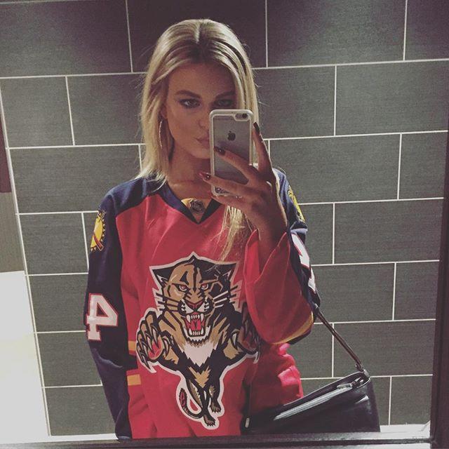 Alyssa Nelson (17)