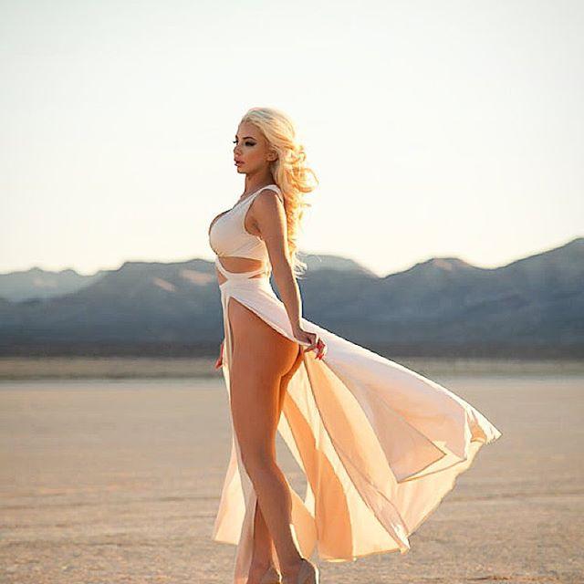 Nicolette Shea  (18)