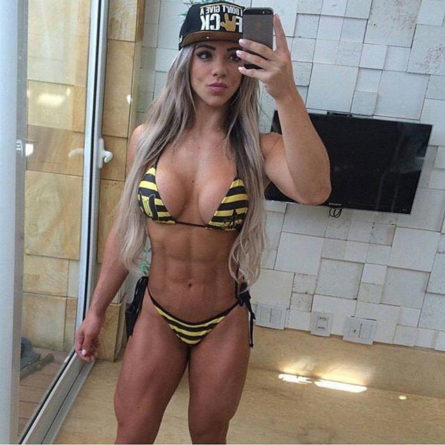 Roberta Zuniga brazilian fitness model (18)
