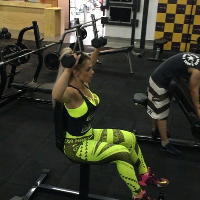 Roberta Zuniga brazilian fitness model (2)