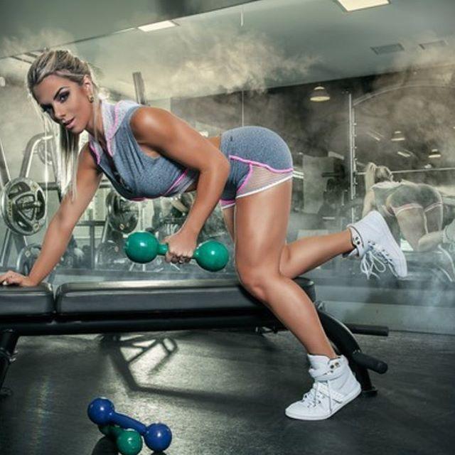 Roberta Zuniga brazilian fitness model (45)