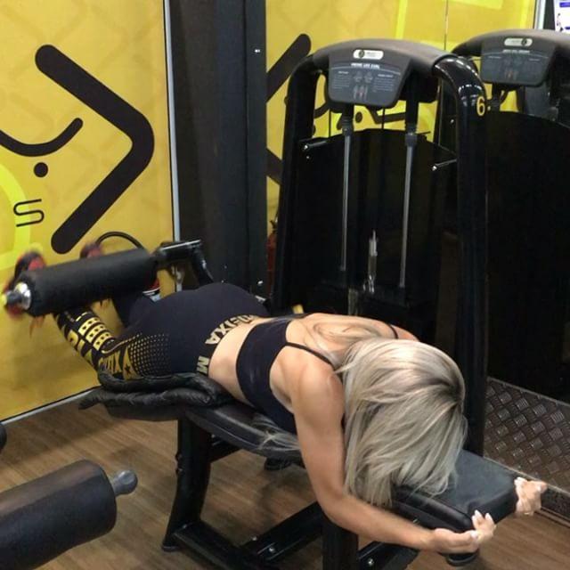 Roberta Zuniga brazilian fitness model (55)