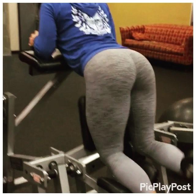 Amanda Latona (18)