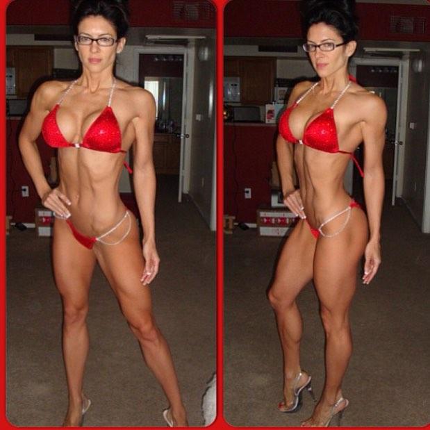 Amanda Latona (31)