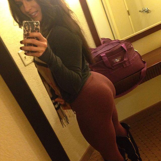 Amanda Latona (37)
