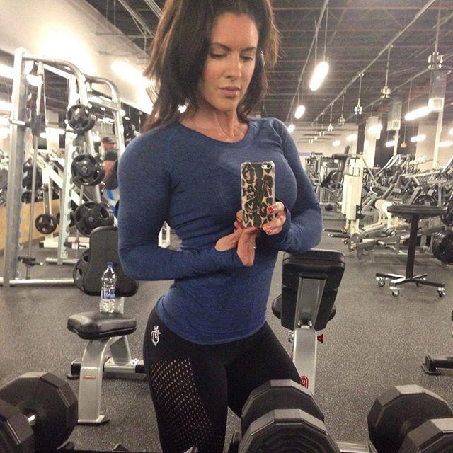 Amanda Latona (38)