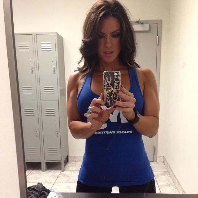 Amanda Latona (47)