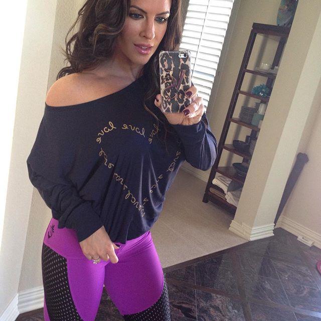 Amanda Latona (52)