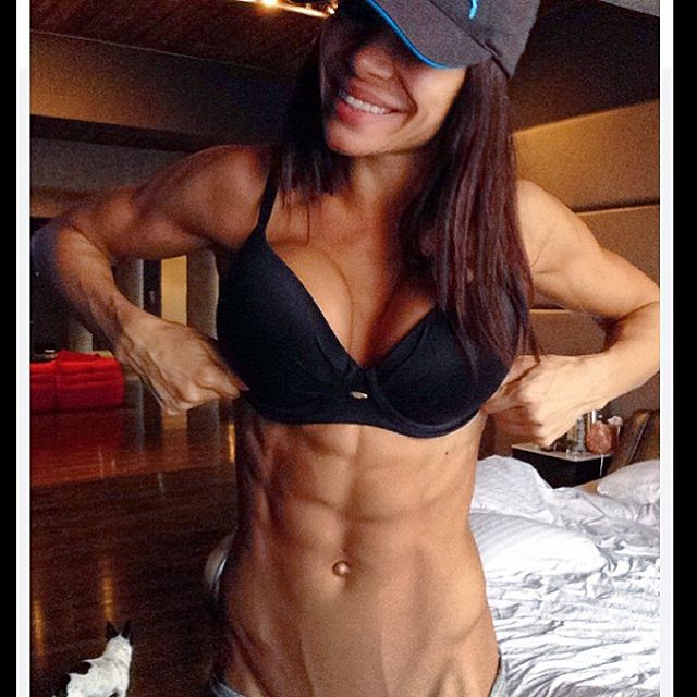 Bianca Gabriela (37)