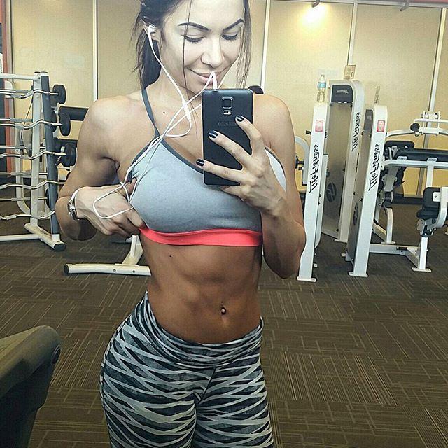 Bianca Gabriela (45)