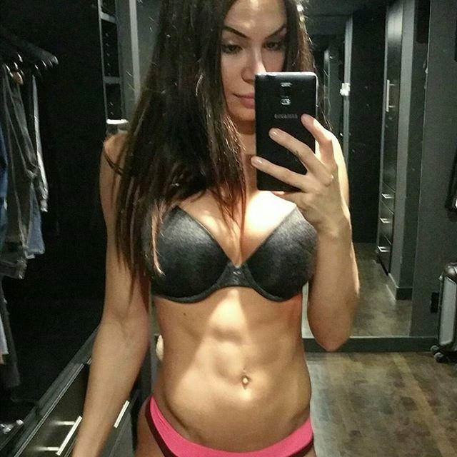 Bianca Gabriela (61)