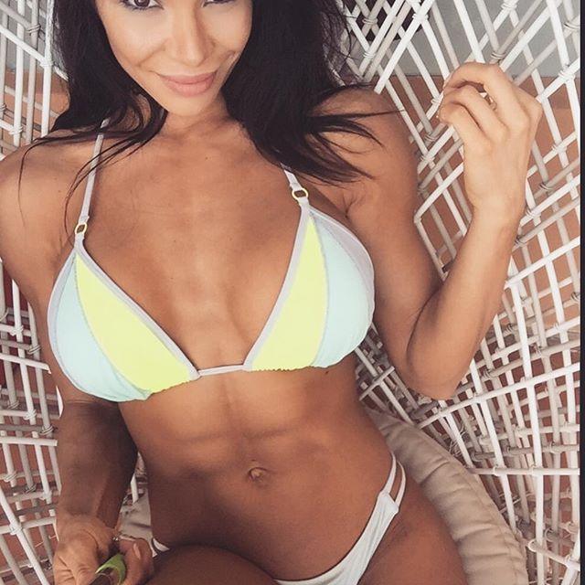 Bianca Gabriela (75)