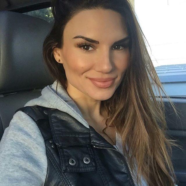 Lauren Abraham (60)