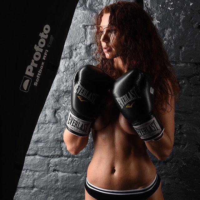 Nadiya Mol (25)