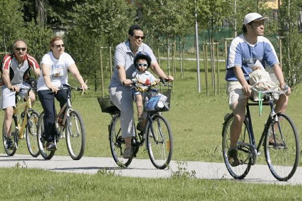 Per dimagrire: meglio correre o andare in bici?