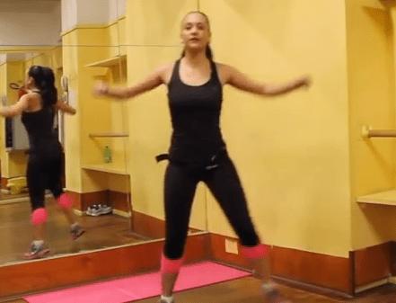 Video di aerobica per dimagrire a casa lezione completa - Allenamento kick boxing a casa ...