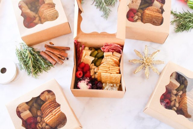 DIY grazing boxes! A cute and easy covid-friendly appetizer or holiday gift. Get the details here: fitnessista.com