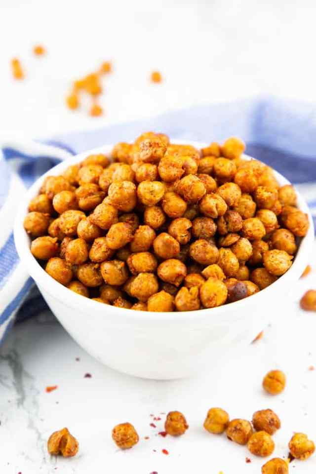 Roasted Chickpeas: 10 High-Protein Snacks Without Protein Powder