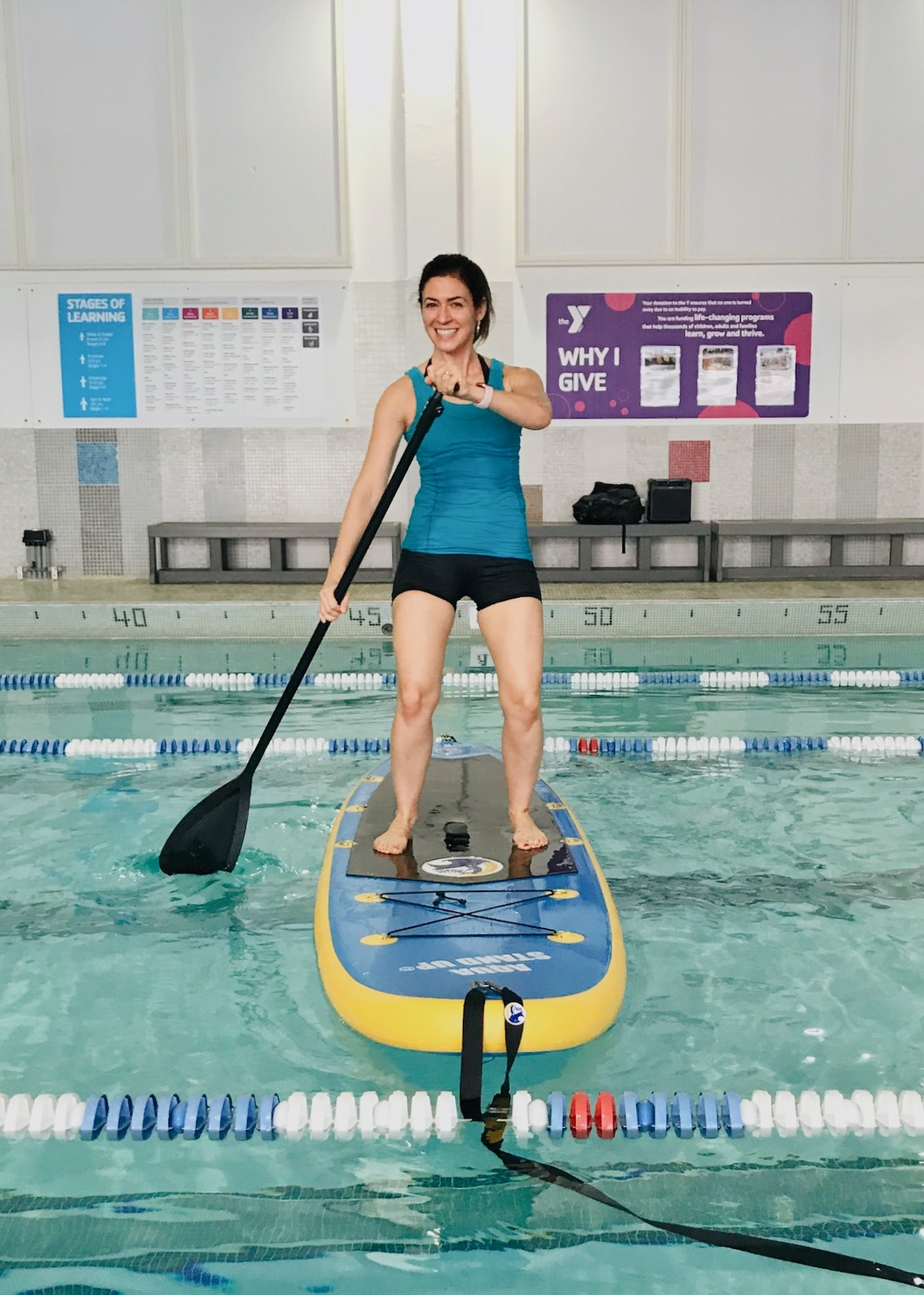 What to expect at a SUP exercise class - Aqua Stand Up group exercise - fitnessista.com #SUP #SUPexercise #SUPfitness #groupexercise