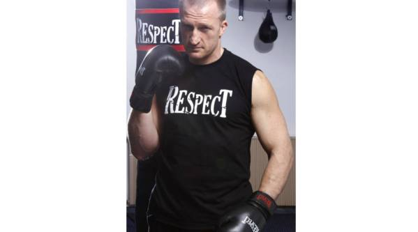 respect_ujjatlan_fekete2