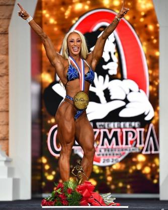Missy Truscott remporte la victoire dans la catégorie Fitness.