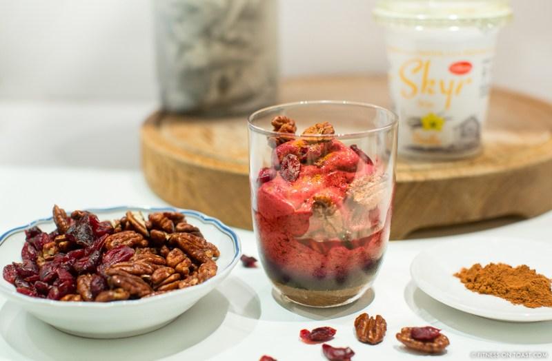 fitness-on-toast-faya-blog-book-girl-health-recipe-tasty-skyr-lidl-food-frozen-yoghurt-festive-winter-dessert-recipe-option-5