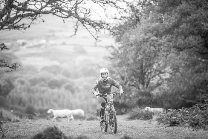 Faya - Fitness On Toast - Wales EE 4G Balloon Signal Bike Rural Apple Watch Adventure Cyclicing Downhill Mountain Bike Biking Workout Event-21