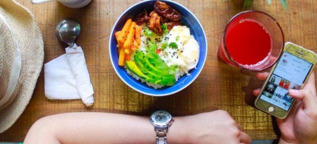 person having healthy breakfast