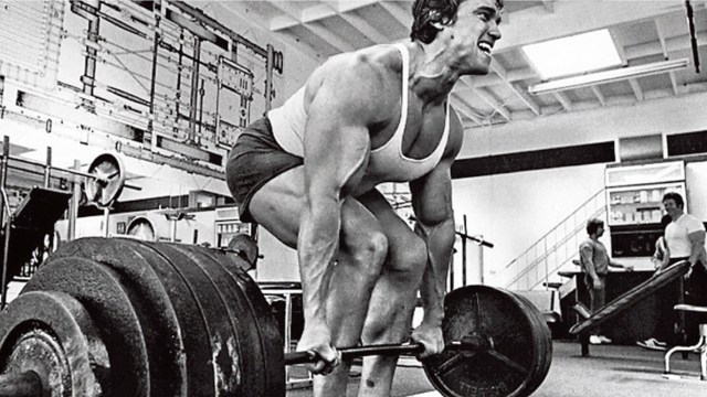 Deadlift by Arnold