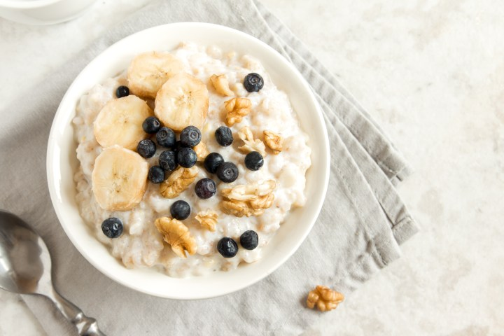 Fiber rich oatmeal to support gut health