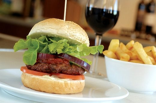 cheeseburger-wine