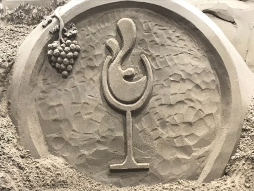 wine glass sand sculpture