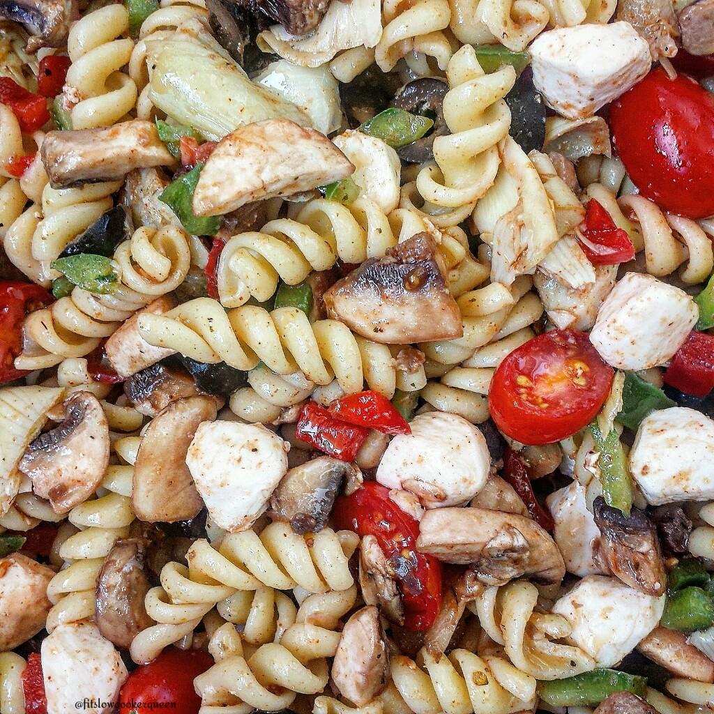 Vegetarian Pizza Pasta Salad