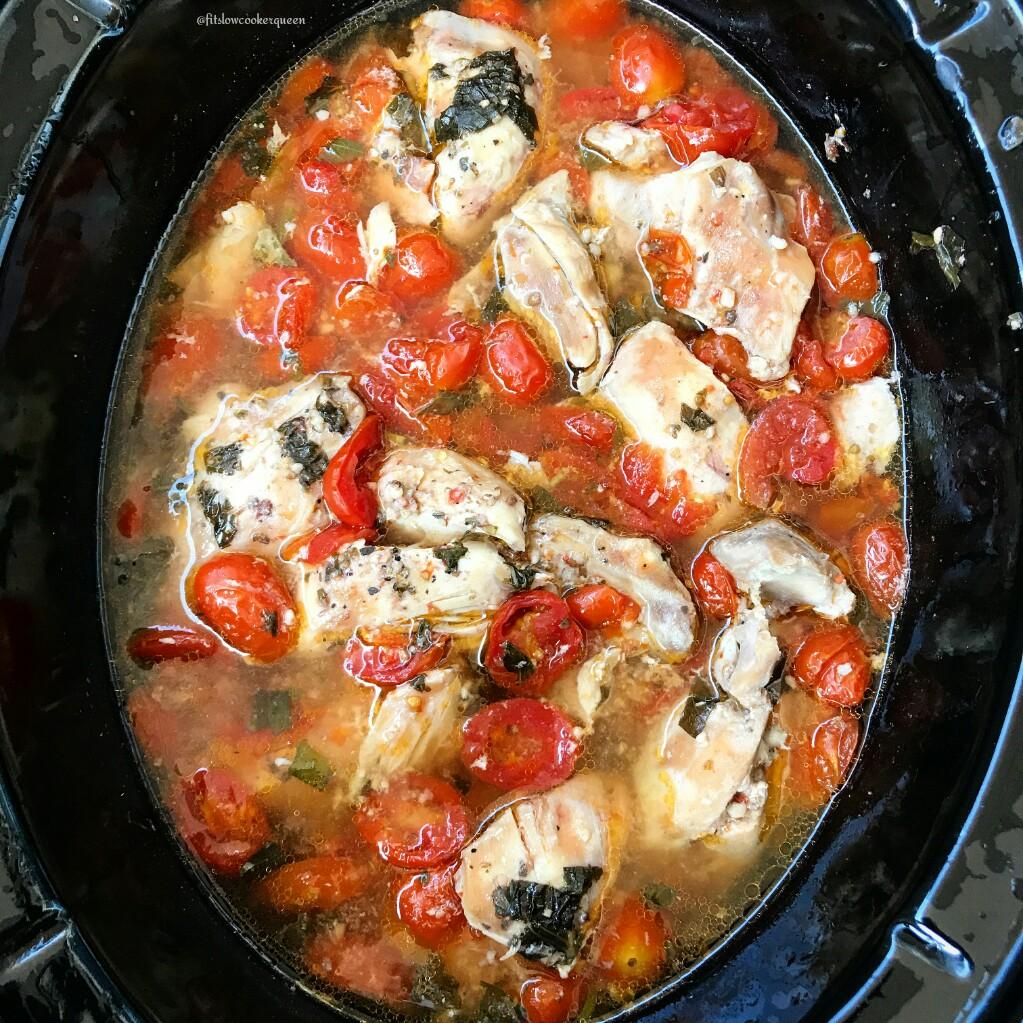 Slow Cooker Tomato-Garlic Chicken & Herbs